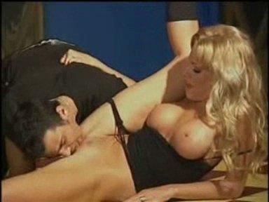 Кунилингус для секси блондинки