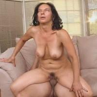 Старушка окосела от оргазма