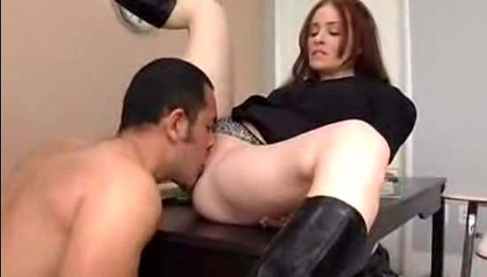 Ginger Lea провела секс занятие с студентом