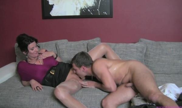 Девушка порно агент проводит кастинг парня
