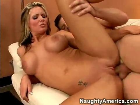 Секс с соседкой после бокала вина