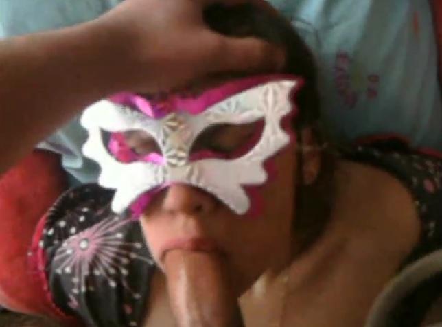 Моя жена трудится ртом